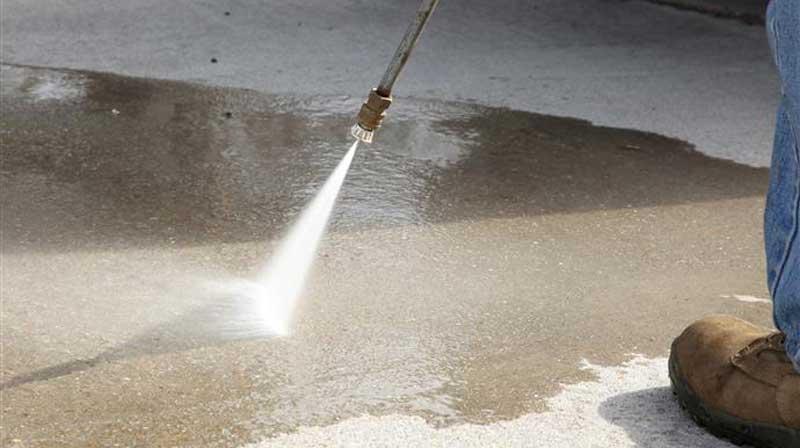 Нужен ли уход за бетоном после укладки